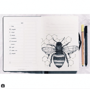 40 More Stunning bee and honey bullet journal spreads